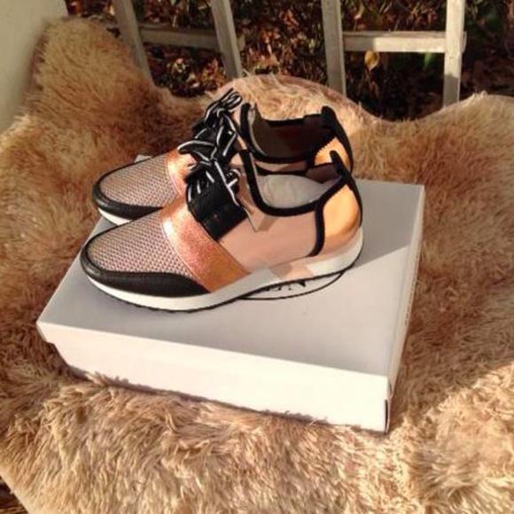 705307e2ec3 Steve Madden Antics Rose Gold Sneakers NWT